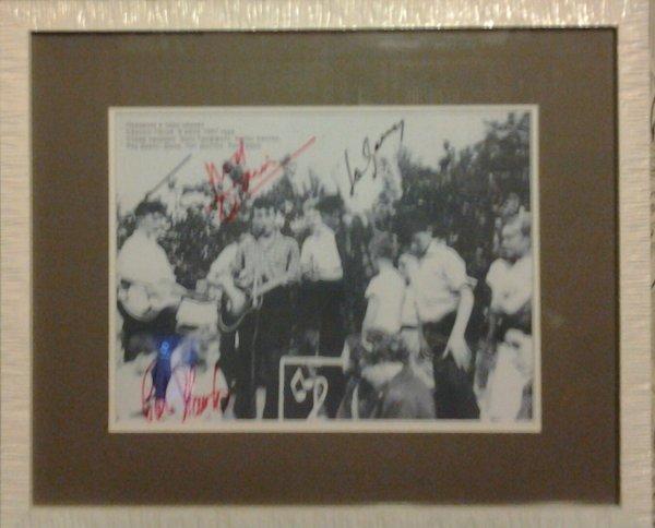 """фото """"Quarrymen"""" c автографами 3-х участников группы"""