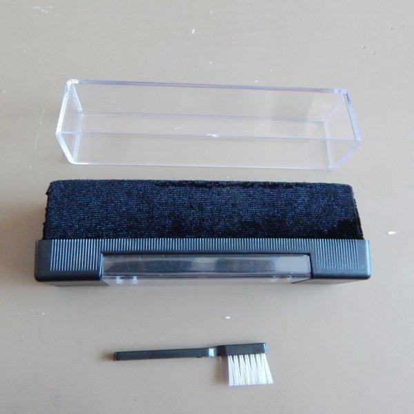 Щетка велюровая для очистки пластинок от пыли