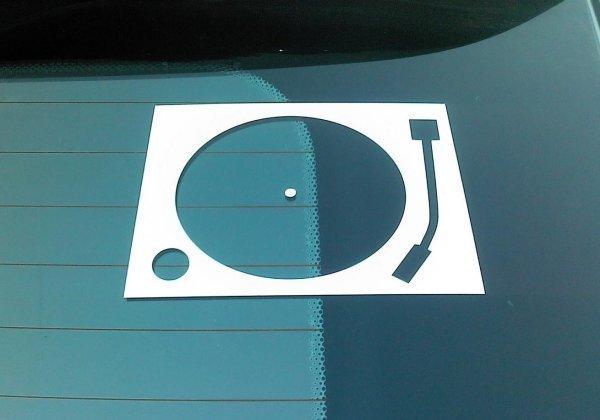 стикер на авто «Любитель винила за рулём». есть белые и черные. отправка