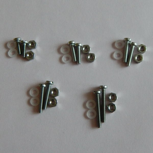 Немагнитный крепеж М2,5 - винты разные, гайки, нейлоновые шайбы