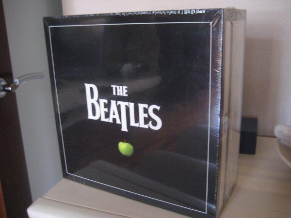 THE BEATLES BOX 13 STUDIO ALBUMS + PAST MASTERS USA PRESS 2012 SEALED!!!!!!