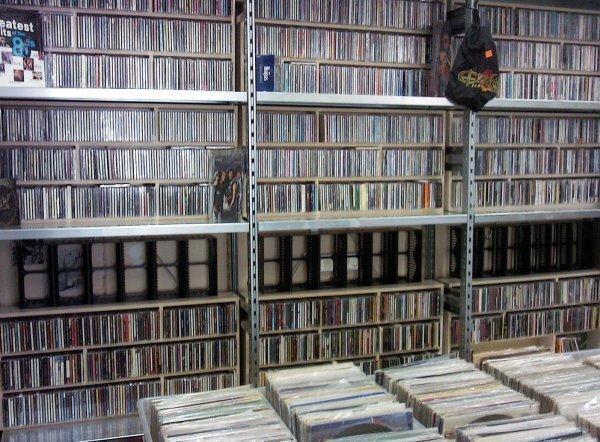 фирменные компакт-диски CD. семь дней в неделю. 4 мин. от ст.м. Чкаловская