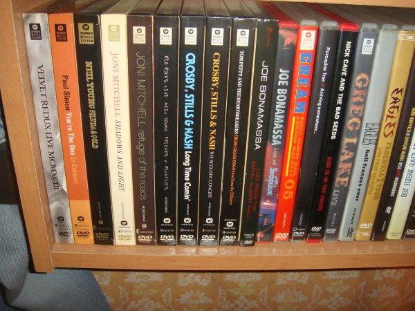 DVD Диски.  Музыка и Фильмы. 700 штук. Каталог