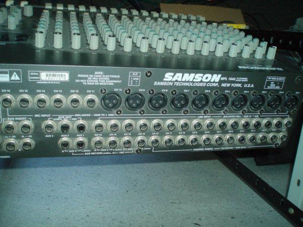 Микшер 16 каналов Samson made in USA